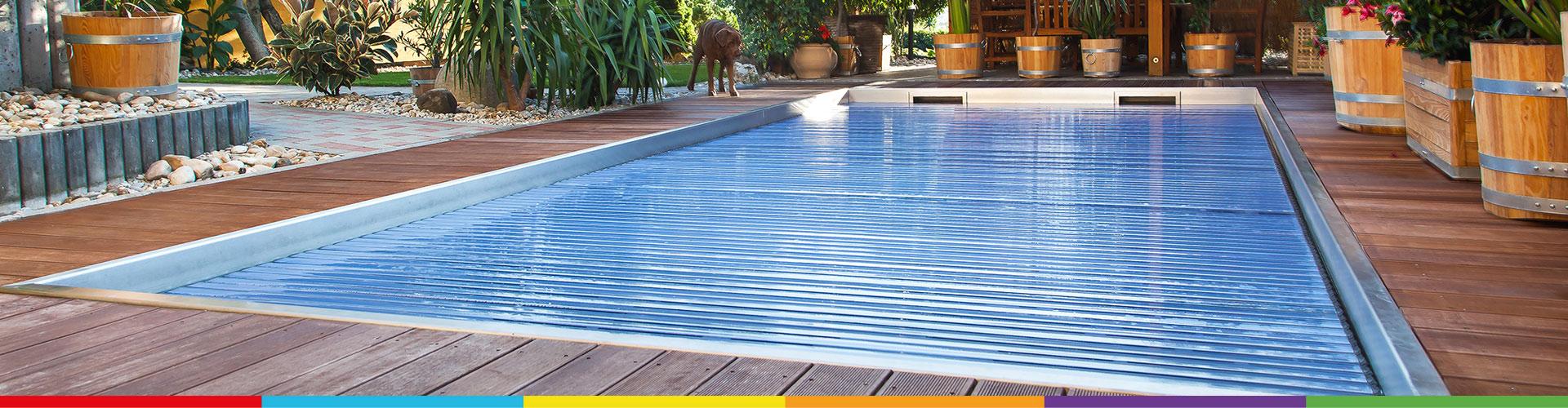 Couverture piscine automatique excellent couverture for Couverture piscine pas cher