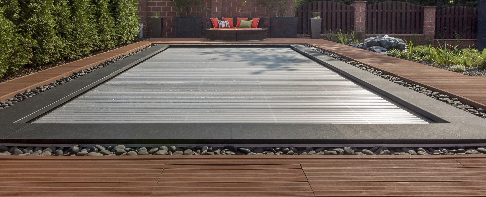 Home aquacover couvertures volets de s curit for Couverture de securite piscine