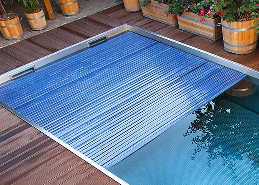 Aqua cover light aquacover couvertures volets de for Accessoire piscine namur